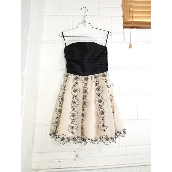Betsey Johnson Dresses | Floral Applique Strapless Dress | Poshmark